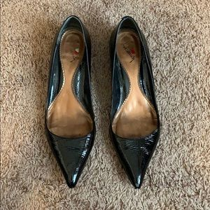 Black Patent Leather Pointy Toe Kitten Heel